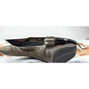 ARTESANÍA. Navaja clásica en asta de búfalo y virola alpaca, Diseñada por Barbero.
